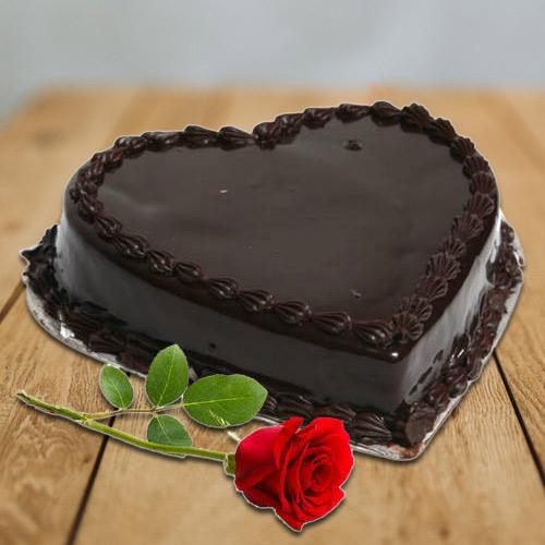 Impressive Combo of Red Rose N Heart-Shape Chocolate Cake