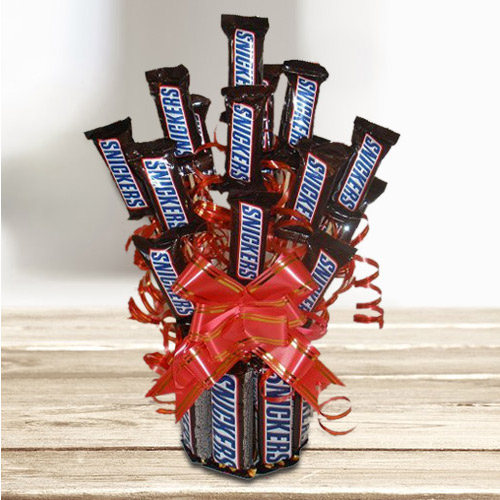 Exceptional Chocolate Bouquet of Sinckers Bar