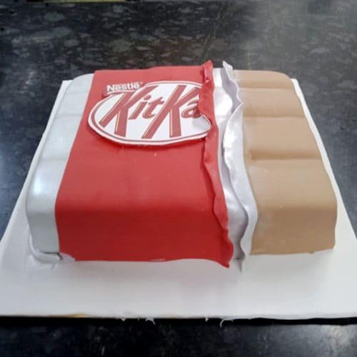 Yummy Kitkat Cake