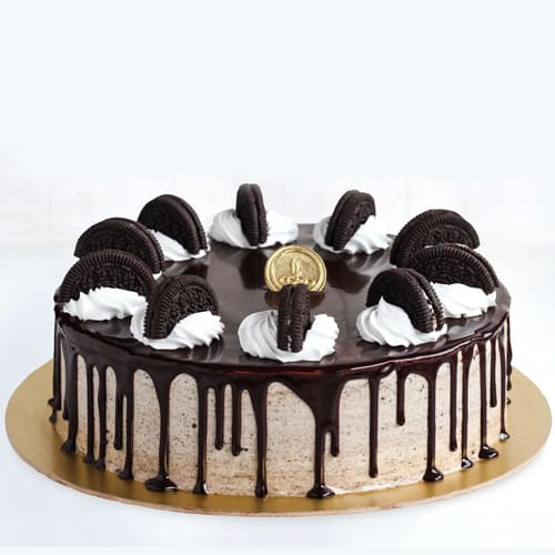 Scrumptious Oreo Cake