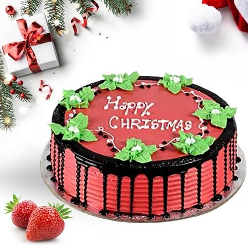 Amazing Christmas Gift of Tasty Strawberry Cake