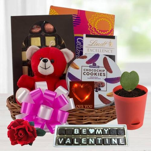 Fascinating Valentine Love Gift Hamper