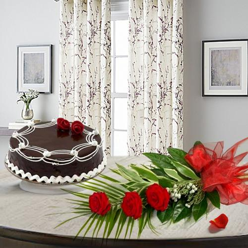 Luminous Red Roses with Chocolate Cake