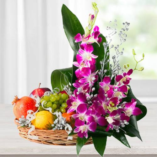 Radiant 2 Kg. Fruity and Flowery Bamboo Basket