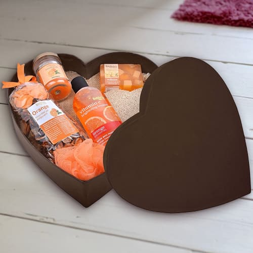 Appealing Bodyherbals Orange Surprise Bathing Set
