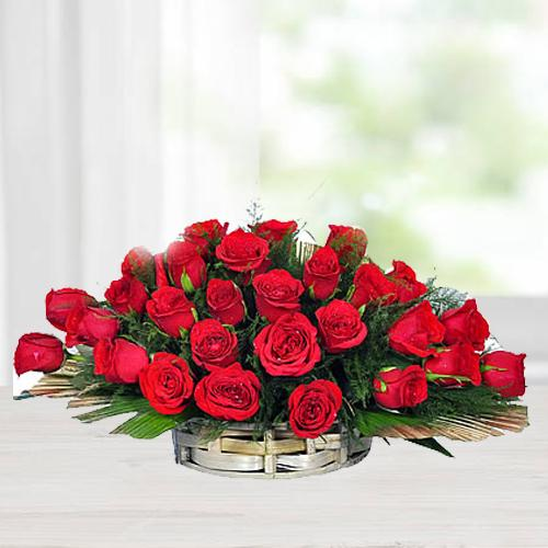Pretty Thirty Red Roses Collection with Fillers