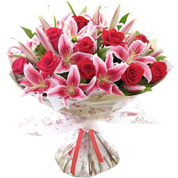 Wonderful Lilies N Roses Bouquet