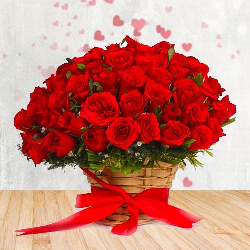 Pleasing Basket of Roses N Filler Flowers