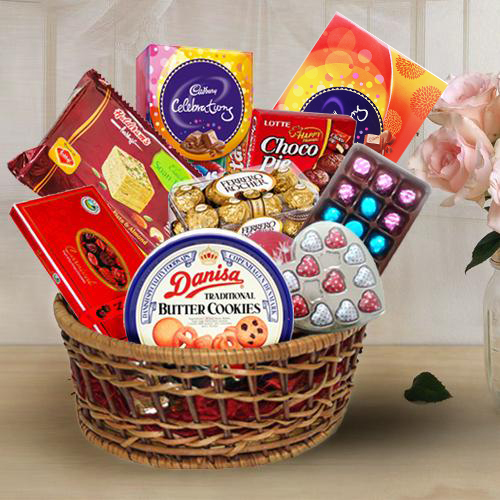 Sumptuous Gift Basket of Chocolates Assortments