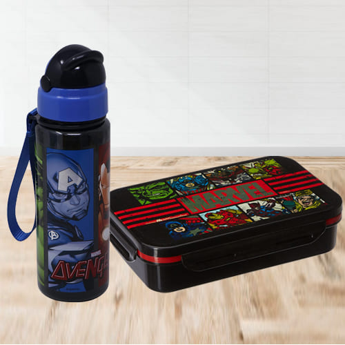 Mesmerizing Avengers Tiffin Box n Sipper Bottle Combo