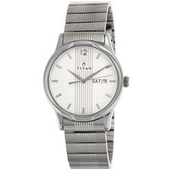 Enticing Premium Signature Gift of Men's Watch from Titan