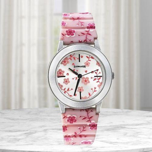 Attractive Sonata Analog Watch